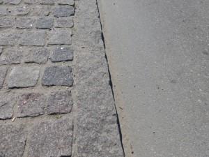 Bordsteinkante für Fahrradweg